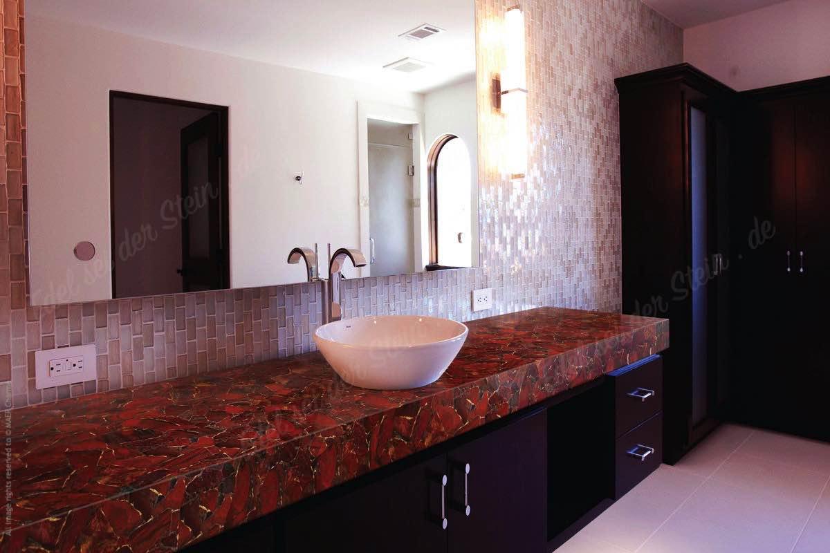 edel sei der stein - roter jaspis - der edelstein in rot für, Badezimmer